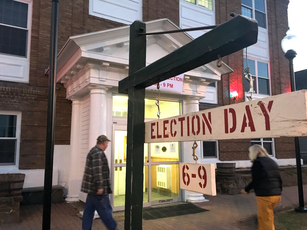 People enter the North Elba Town Hall in Lake Placid to vote early on the morning of Election Day, Nov. 8. (Enterprise photo — Antonio Olivero)