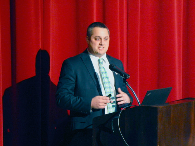 PHOTO BY NICOLE WALBY Dustin Weaver, 2017 Ohio Teacher of the Year, spoke about teaching Thursday in Gundlach Theatre.