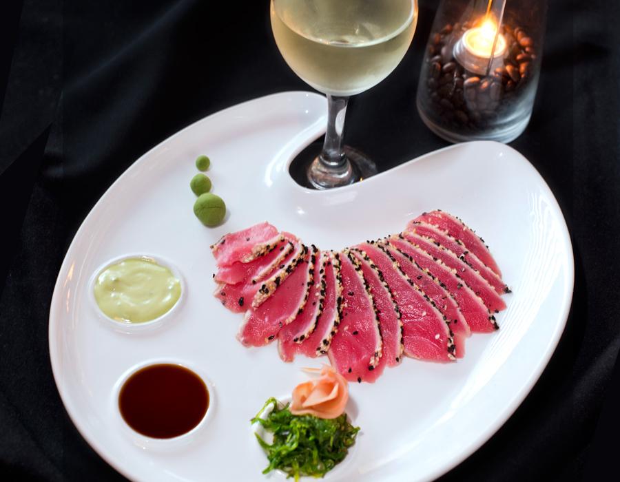 Oyster Bar Sashimi tuna appetizer
