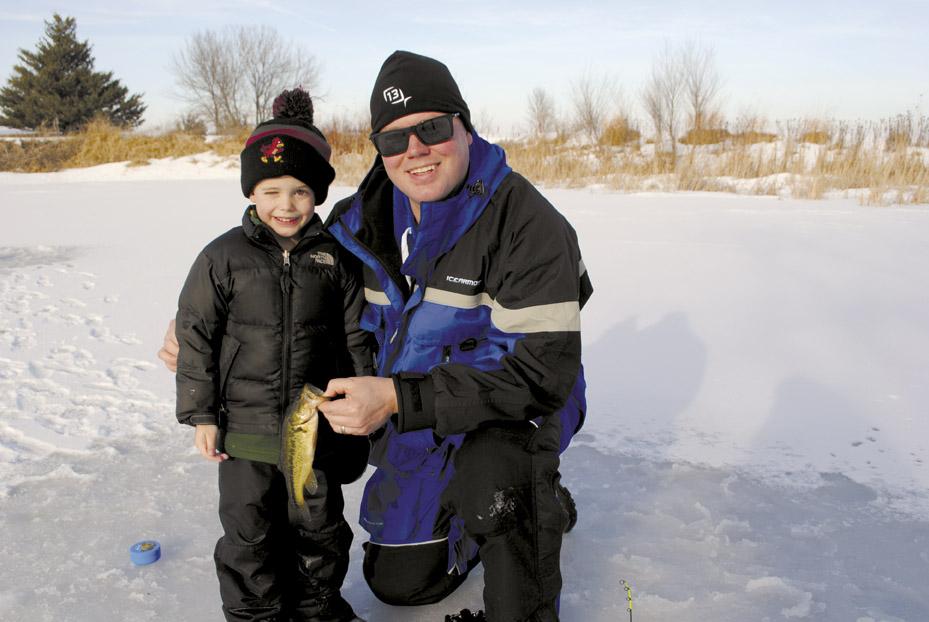 Creating new ice anglers news sports jobs the for Ice fishing iowa