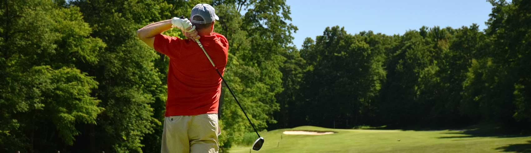 golfer-on-fairway
