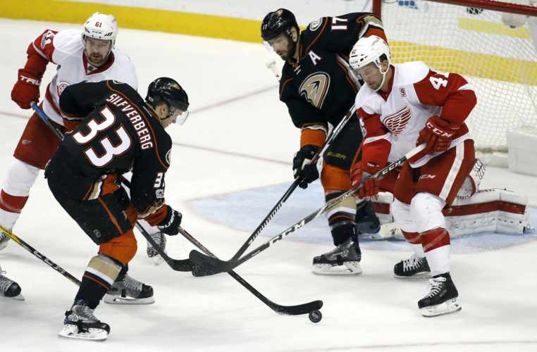 Anaheim right wing Jakob Silfverberg (33) takes a shot against the Detroit Red Wings in Anaheim, Calif. on Wednesday. The Ducks won 2-0. (Alex Gallardo/AP Photo)
