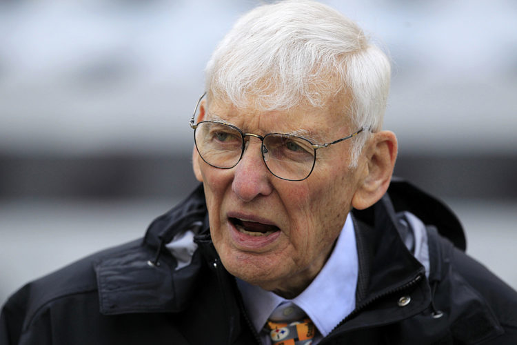 Dan Rooney watches warm ups before a 2012 NFL game between the Pittsburgh Steelers and Philadelphia Eagles in Pittsburgh. The Steelers announced Mr. Rooney died Thursday. He was 84. (AP Photo/Gene J. Puskar, File)