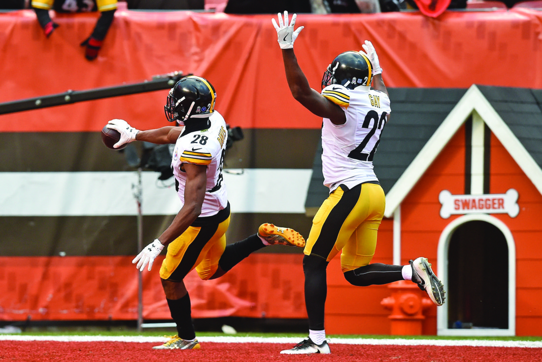 Pittsburgh Steelers defensive back Cortez Allen (28) is followed into the end zone by cornerback William Gay (22) after intercepting a pass from Cleveland Browns quarterback Josh McCown (13) during the second half of an NFL football game in Cleveland, Sunday, Nov. 20, 2016. The Steelers won 24-9. (AP Photo/David Richard)