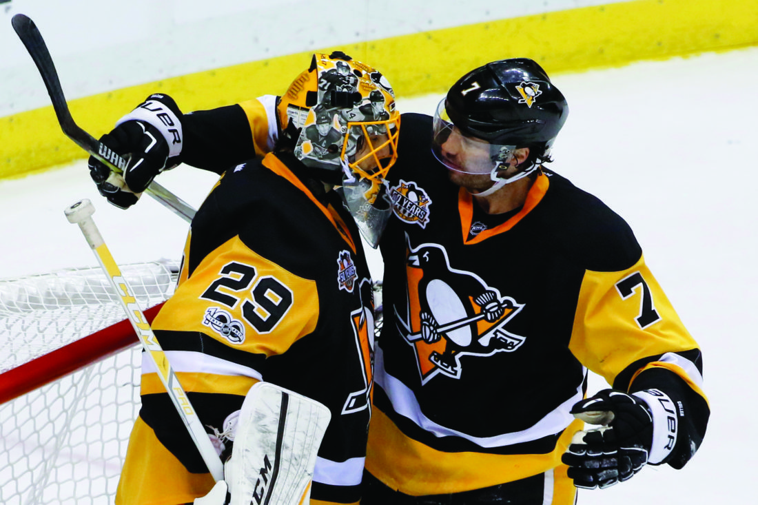 Senators chase Fleury, rout Penguins in Game 3