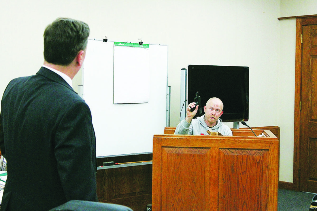 "JANELLE PATTERSON   The Marietta Times Washington County Prosecutor Kevin Rings, left, asks witness Ben Thomas to explain how he had sold the alleged murder weapon to Frederick ""Fred"" Uselton before Uselton sold the weapon to Charles ""Chuckie"" Loy."