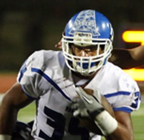 Hanisi Lotulelei has 468 rushing yards in Maui High School's last three games. The Maui News/ Chris Sugidono photo