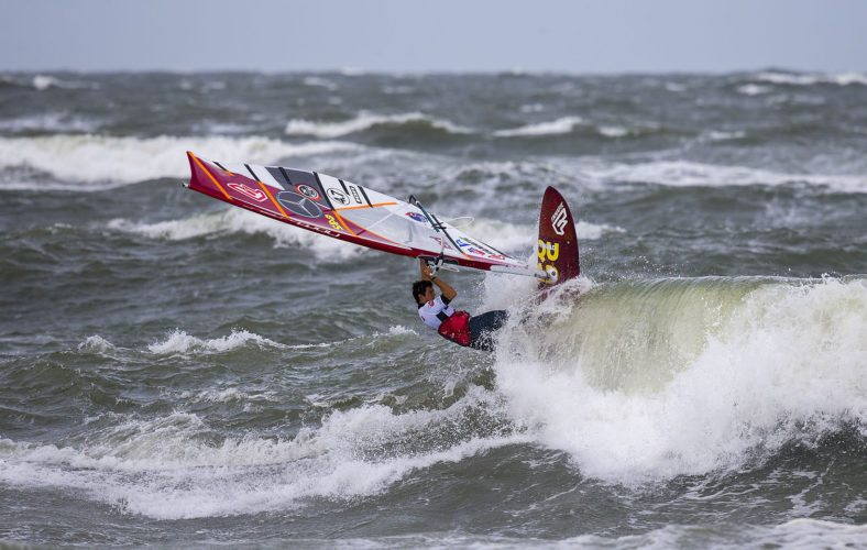 Victor Fernandez would be assured of his second Professional Windsurfers Association men's wave title with a finish of fourth or better at the NoveNove Maui Aloha Classic. Professional Windsurfers Association / JOHN CARTER photo