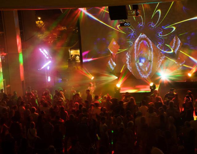 ArT=Mixx features live entertainment, photo courtesy Maui Arts &Cultural Center.