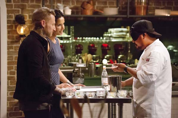 "Maui's Sheldon Simeon (right) was blindfolded in a previous episode in a test of palates. At left is Season 6 winner Michael Voltaggio with host Padma Lakshmi. Tonight, Sheldon will appear in the ""Top Chef"" finals as the show heads south of the border to Mexico. ""Top Chef"" photo"