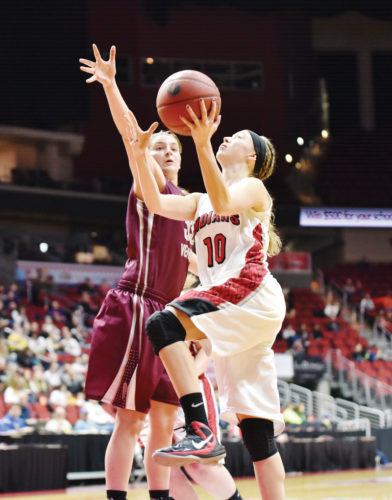 Messenger photo by Britt Kudla  Grace Meyer of Pocahontas Area shoots in the state tournament last season.