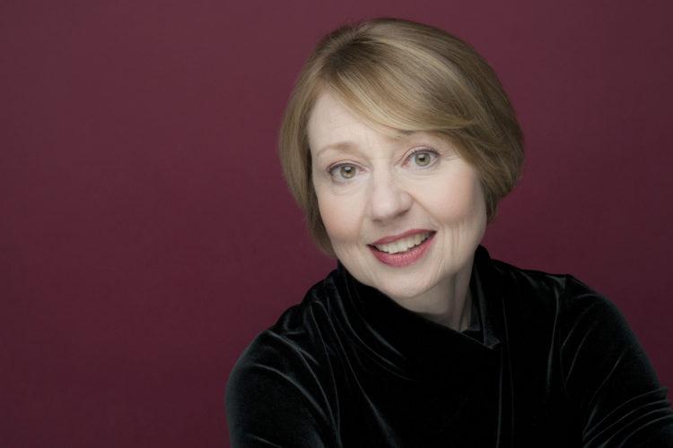 Dr. Hilary Apfelstadt