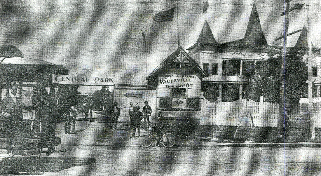 Central Park: the current fairgrounds with the old Floral Hall.