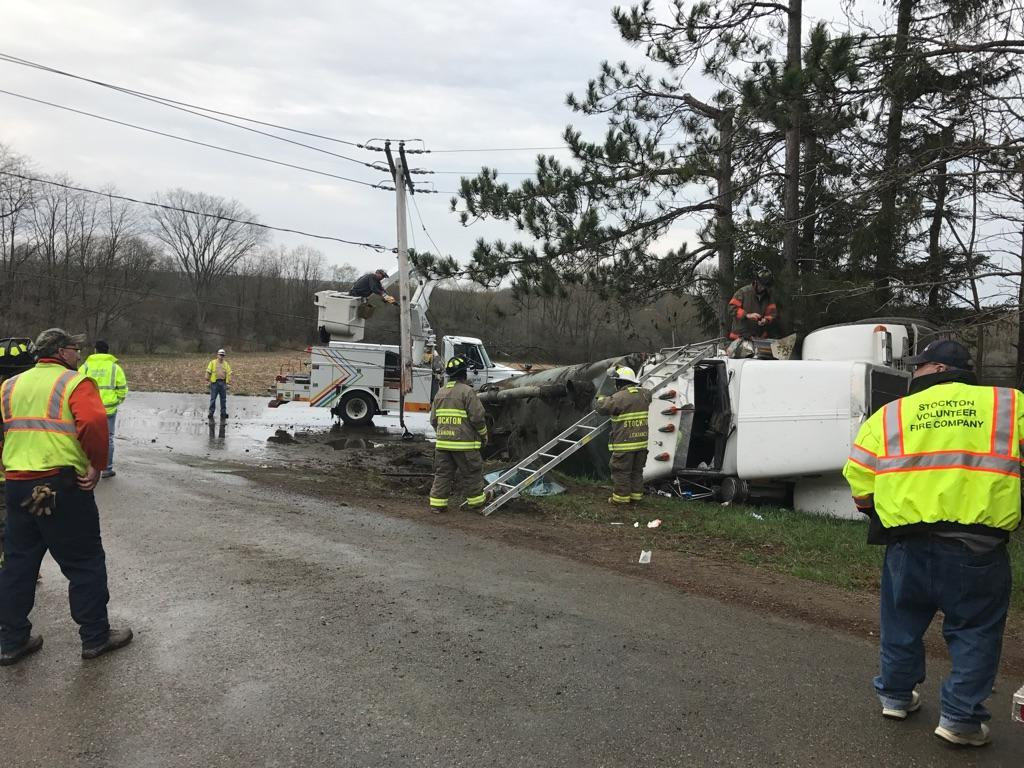 Manure Truck Rolled : Tractor trailer rolls over in stockton knocks out utility