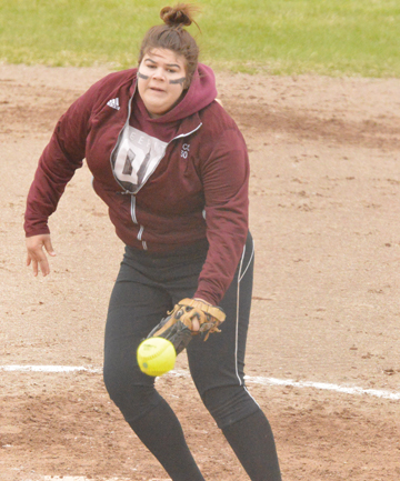 News Photo by James Andersen ACC's Kendra Cole throws a pitch during a game against Oakland at the Huron Shores fields on Friday.