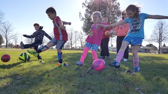 soccer kids_WEB