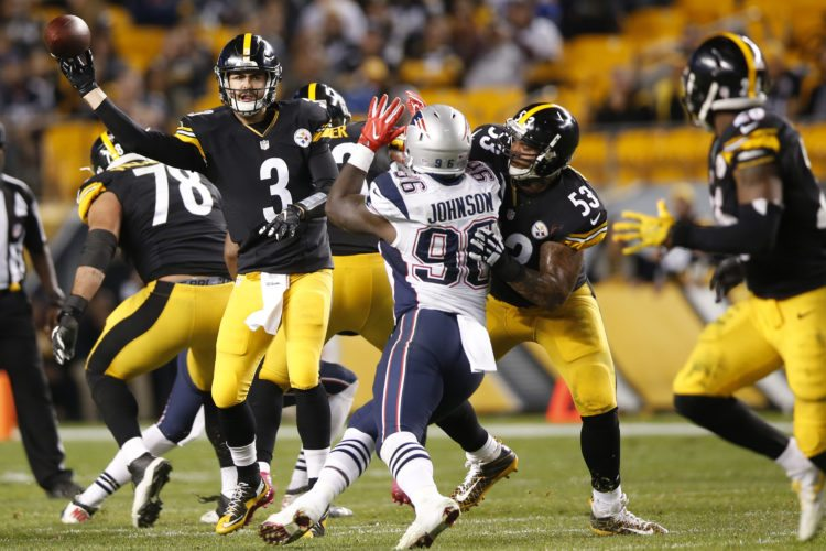 Pittsburgh Steelers quarterback Landry Jones (3) passes during the second half of an NFL football game against the New England Patriots in Pittsburgh, Sunday, Oct. 23, 2016. The Patriots won 27-16. (AP Photo/Jared Wickerham)