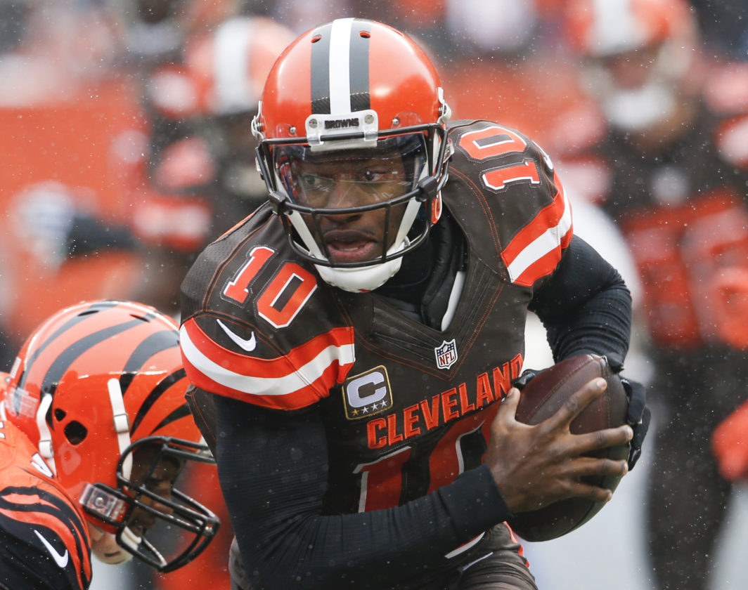 Browns hold on for first victory of the season
