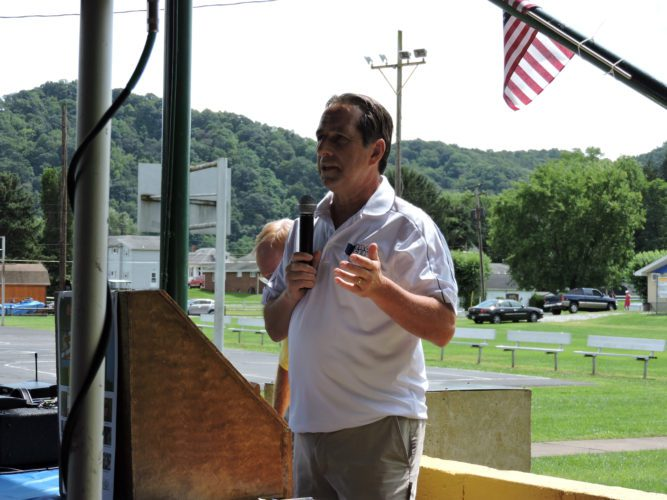 Rep. Jack Cera, D-Bellaire delivered an impassioned speech lauding Democrat values and policies.