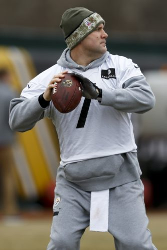 Pittsburgh Steelers quarterback Ben Roethlisberger during their NFL football practice, Thursday, Jan. 19, 2017, in Pittsburgh. The Steelers face the New England Patriots in the AFC conference championship on Sunday. (AP Photo/Keith Srakocic)