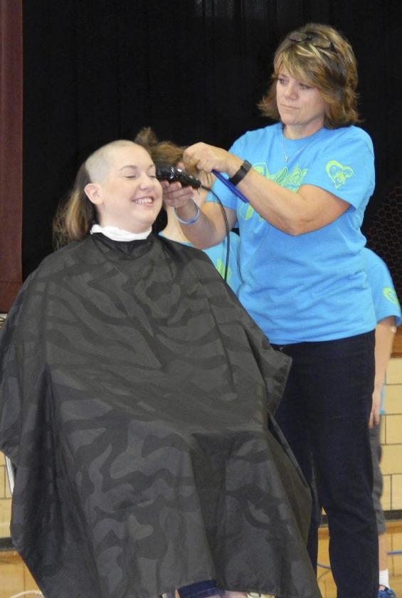 110616bc-hair-cut119