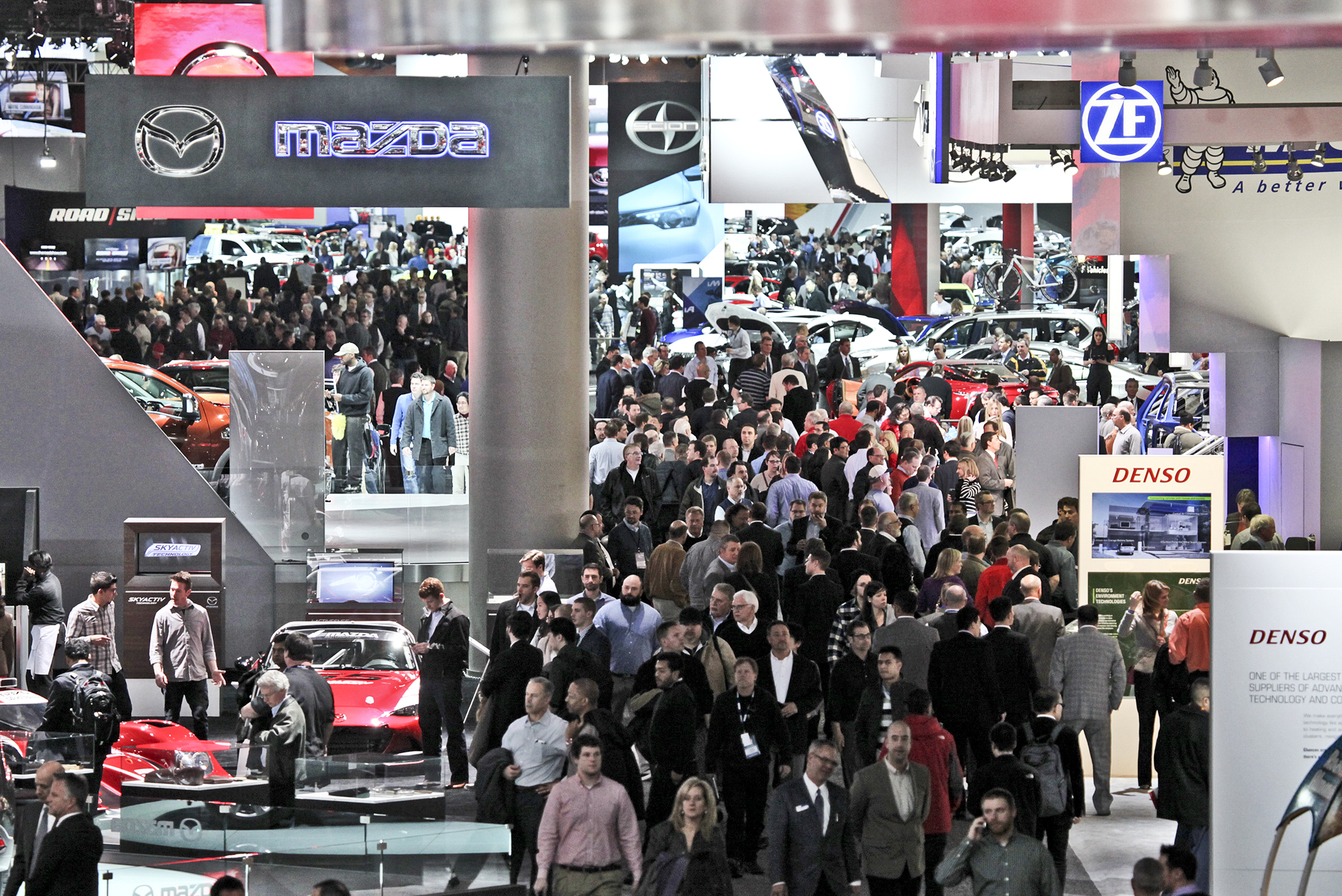 Motor City Gears Up For 2017 Auto Show News Sports